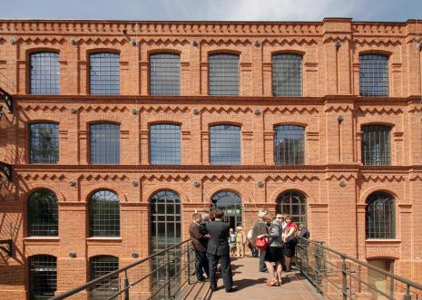 Budynek ms przed otwarciem
