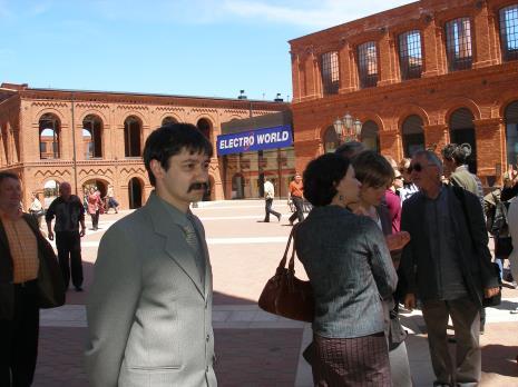 Z lewej dr Marcin Stasiewicz (Dział Dokumentacji Naukowej)